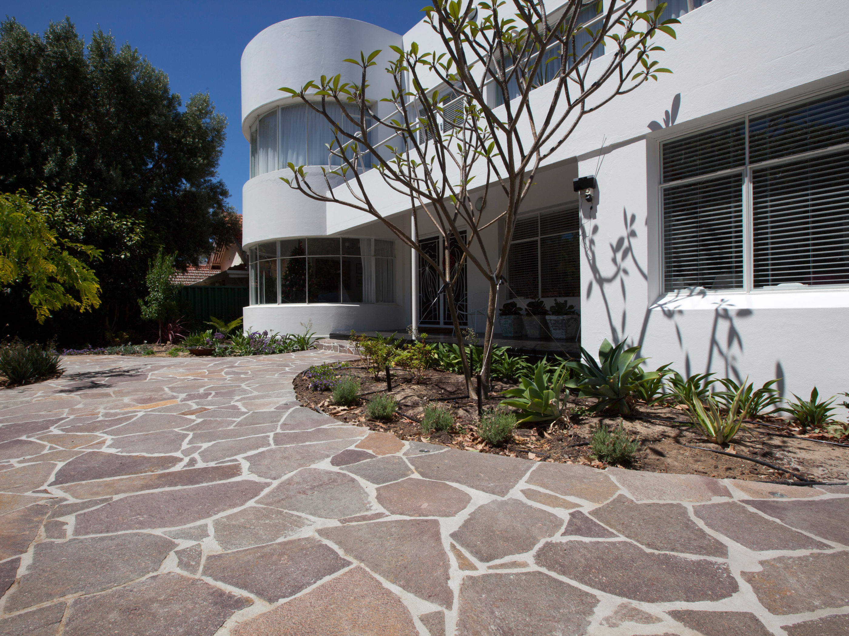 4 Key Things To Consider When Choosing Driveway Pavers