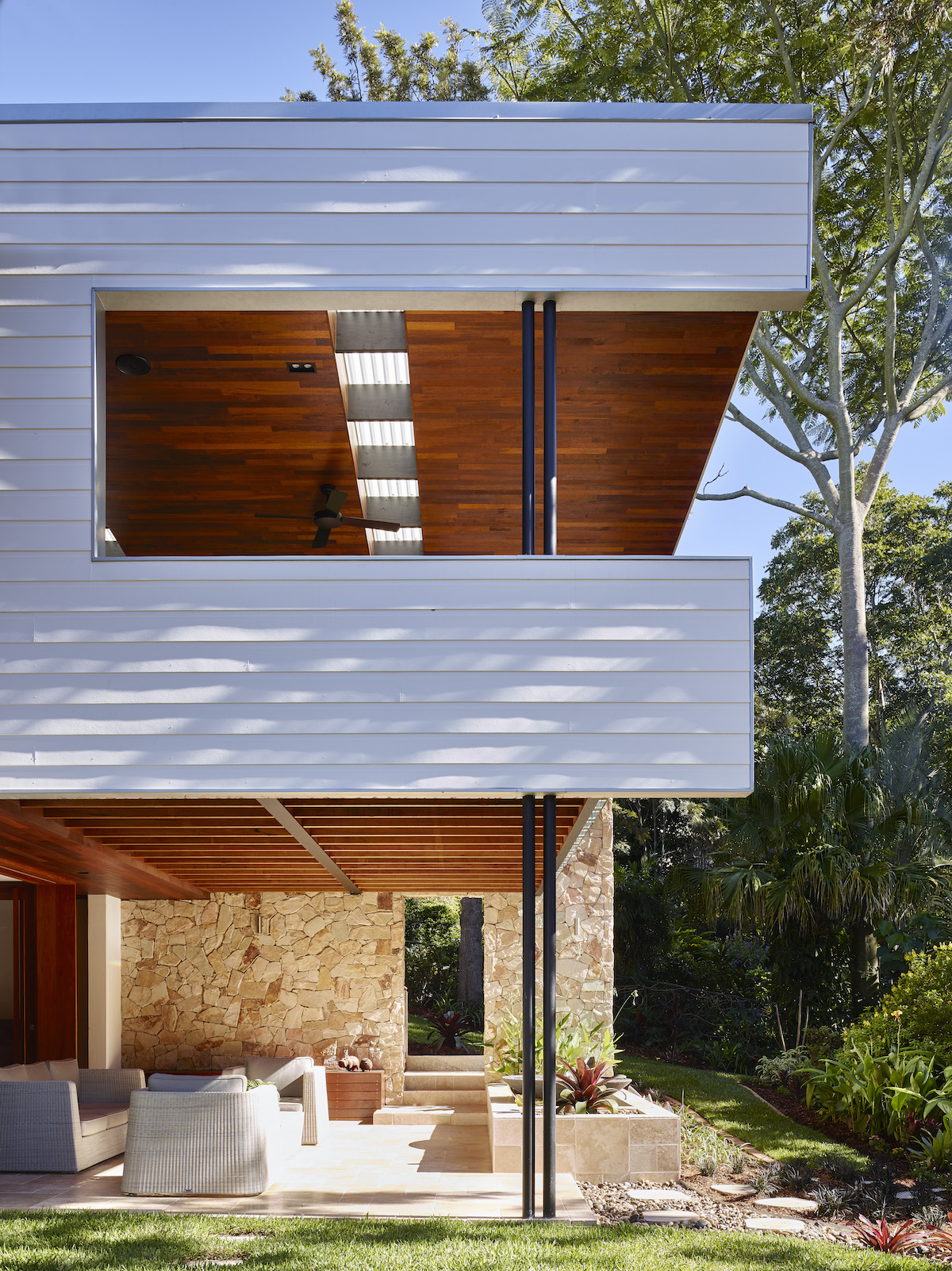 KenmoreHills House designed by Shaun Lockyer Architect built by Graya Constructions