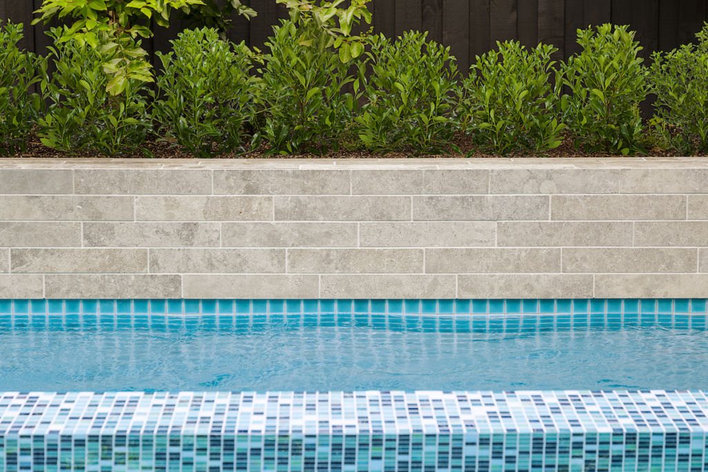 Tips for cleaning waterline pool tiles - Eco Outdoor