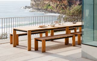 Choosing the right outdoor dining setting for your lifestyle